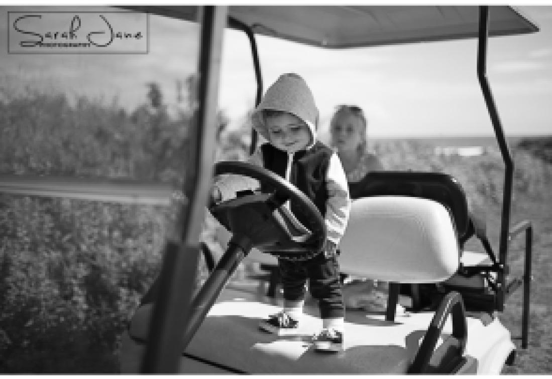 Image of golf cart on Peaks Island